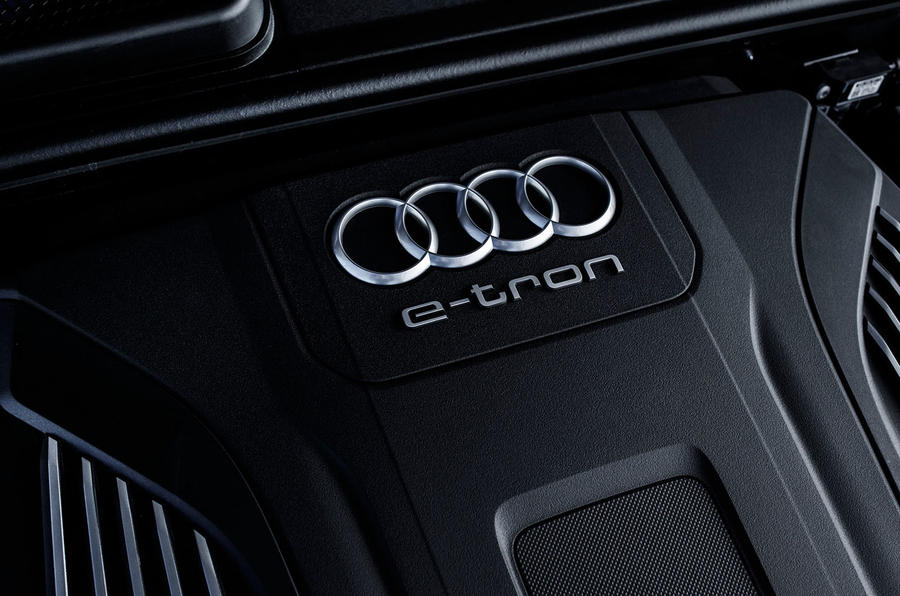 Audi Q7 e-tron engine bay
