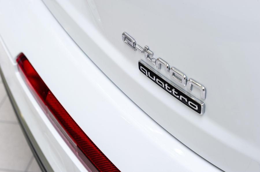 Audi Q7 e-tron badging
