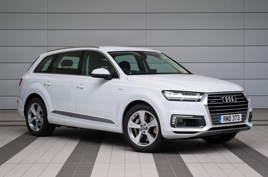 3.5 star Audi Q7 e-tron