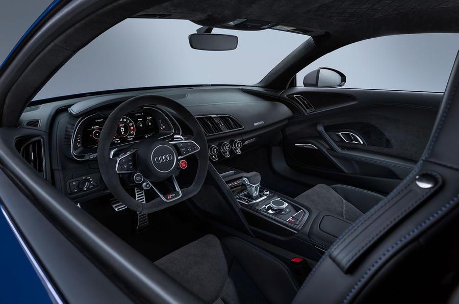 Audi R8 2018 dashboard