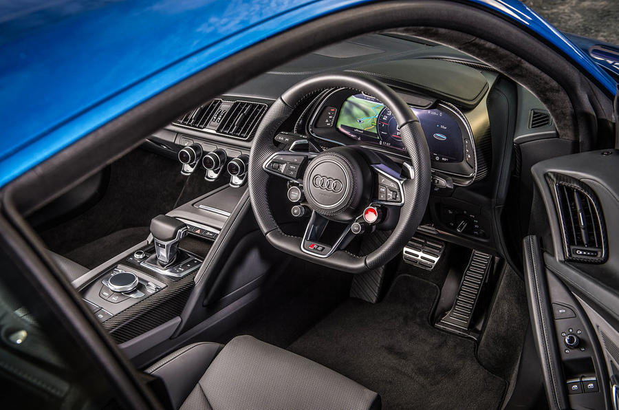 Audi R8 V10 Plus dashboard