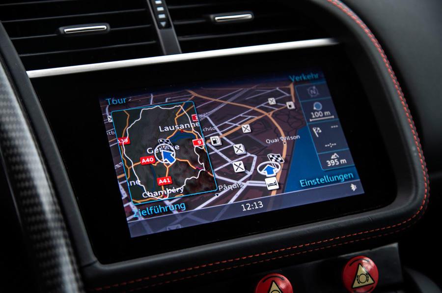 Audi R8 e-tron infotainment