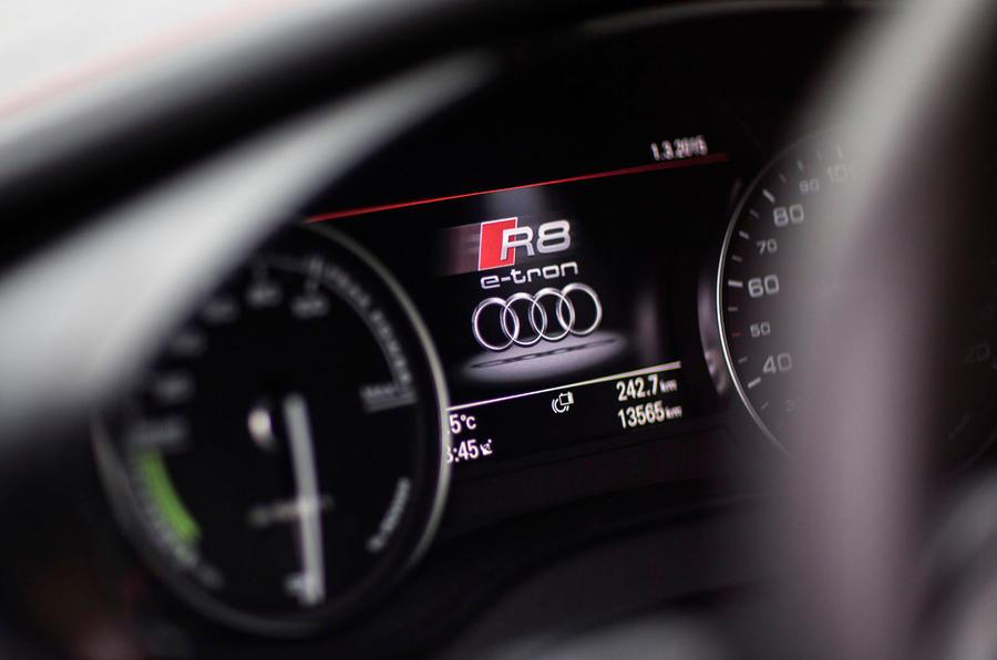 Audi R8 e-tron instrument cluster