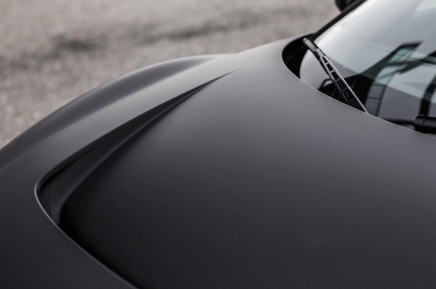 Audi R8 e-tron bonnet scoop