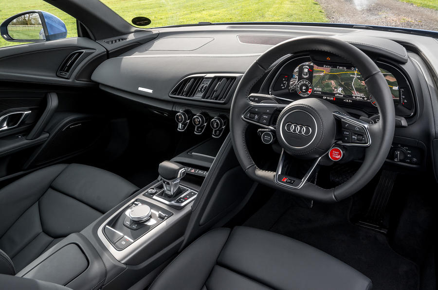 Audi R8 V10 dashboard