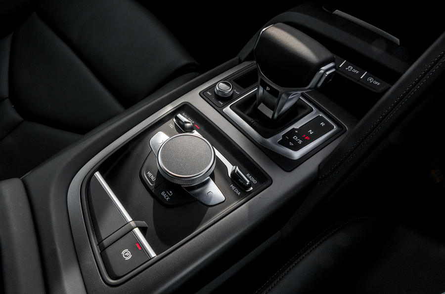 Audi R8 V10 dual-clutch automatic gearbox
