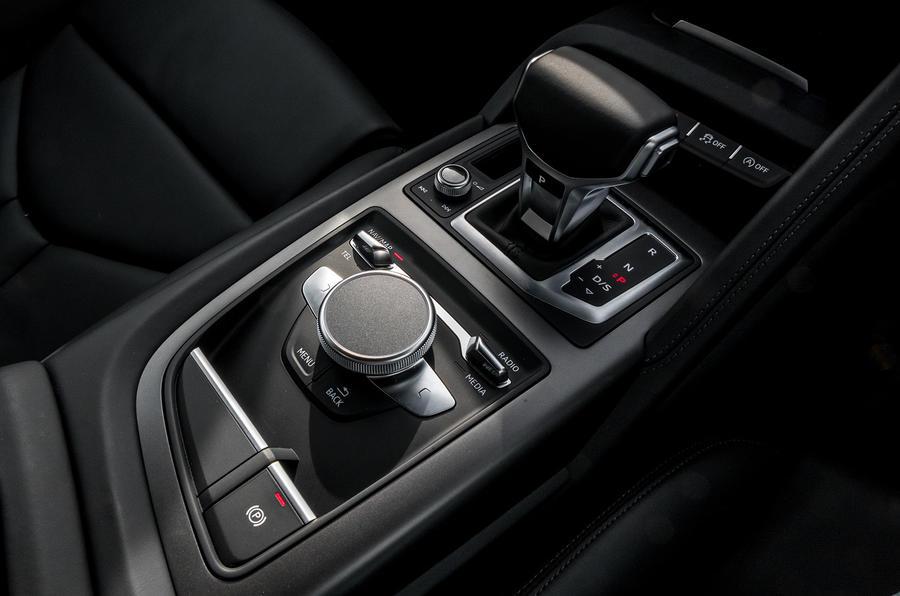 Audi R8 V10 dual-clutch automatic gearbox