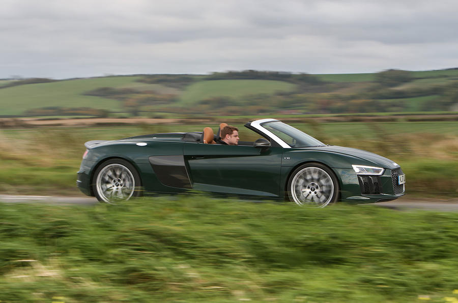 Audi R8 Spyder V10 Plus side profile