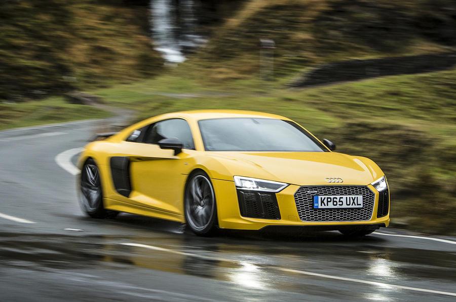 Audi R8 V10 cornering