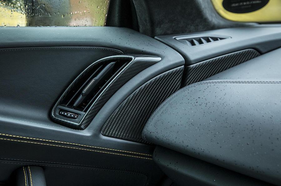 Audi R8 V10 air vents