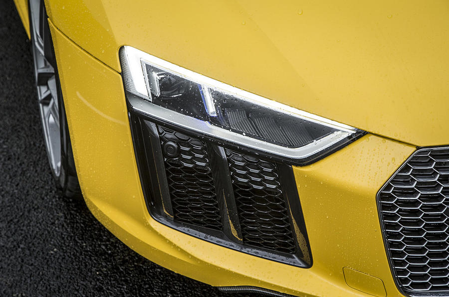 Audi R8 V10 LED headlights