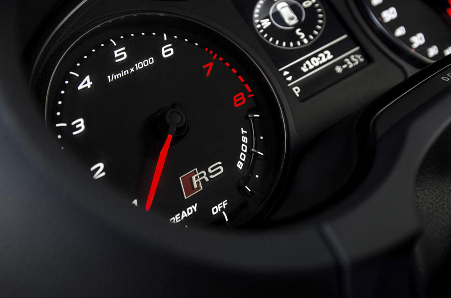 Audi RS3 rev counter
