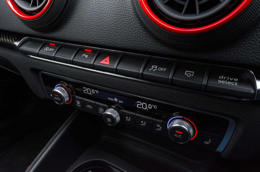 Audi RS3 saloon centre console