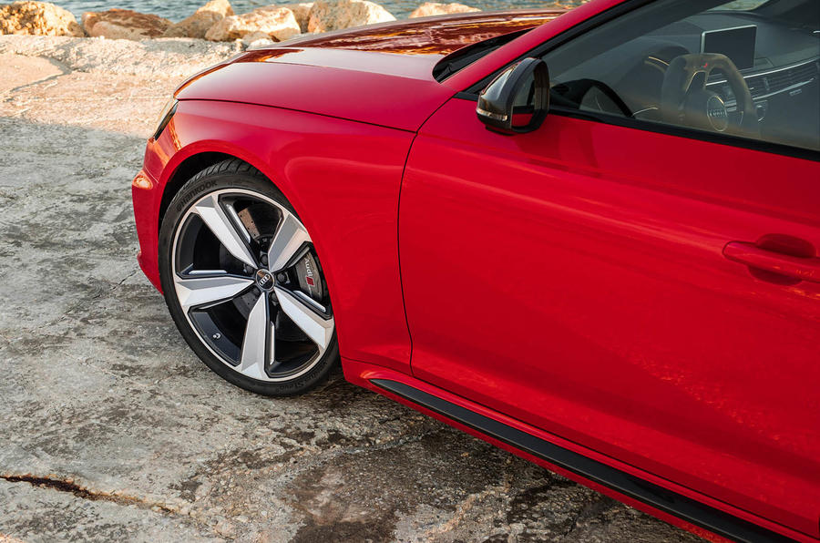 Audi RS4 Avant alloy wheels