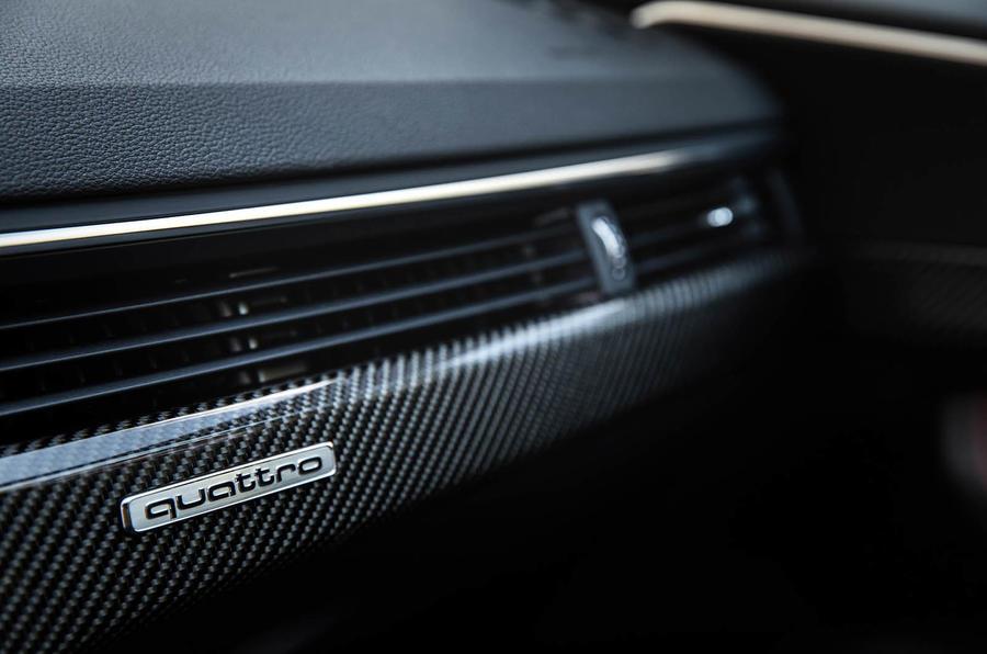 Audi RS4 Avant quattro badging