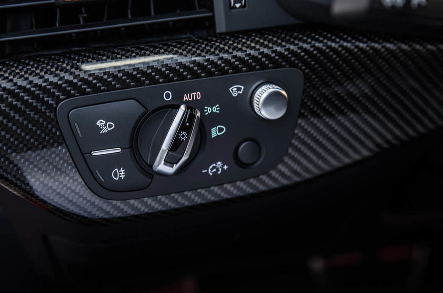 Audi RS4 Avant switchgear