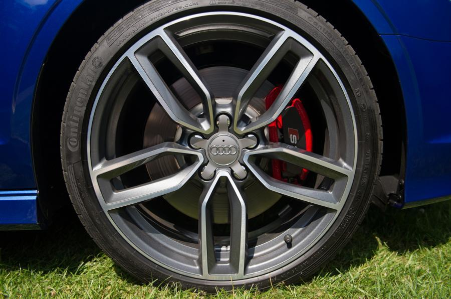 Audi S3 Cabriolet alloy wheels