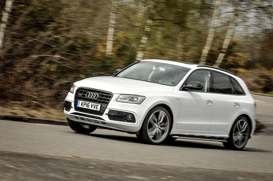 Audi SQ5 Plus 2016 UK review cornering front