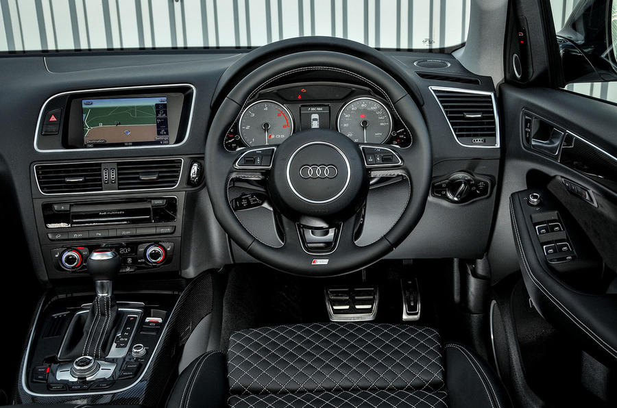 Audi SQ5 Plus 2016 UK review dashboard