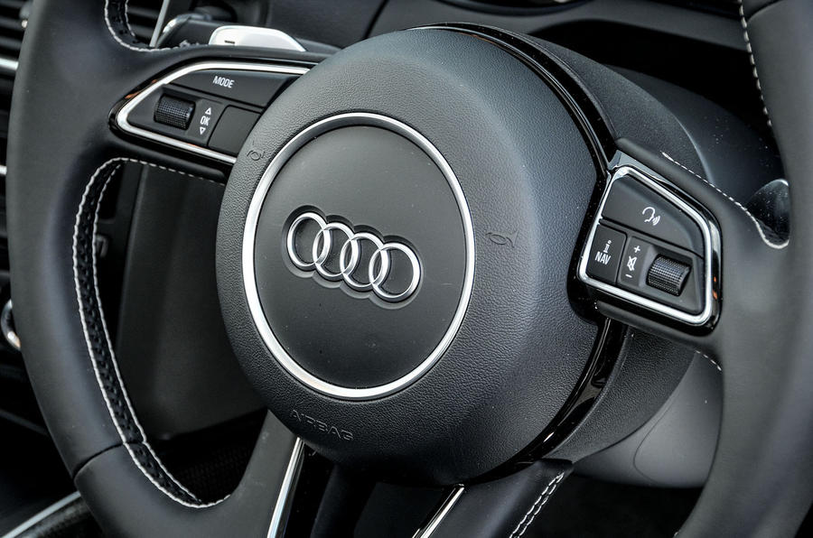 Audi SQ5 Plus 2016 UK review steering wheel controls