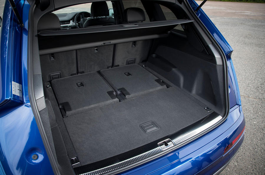 Audi SQ7 boot space