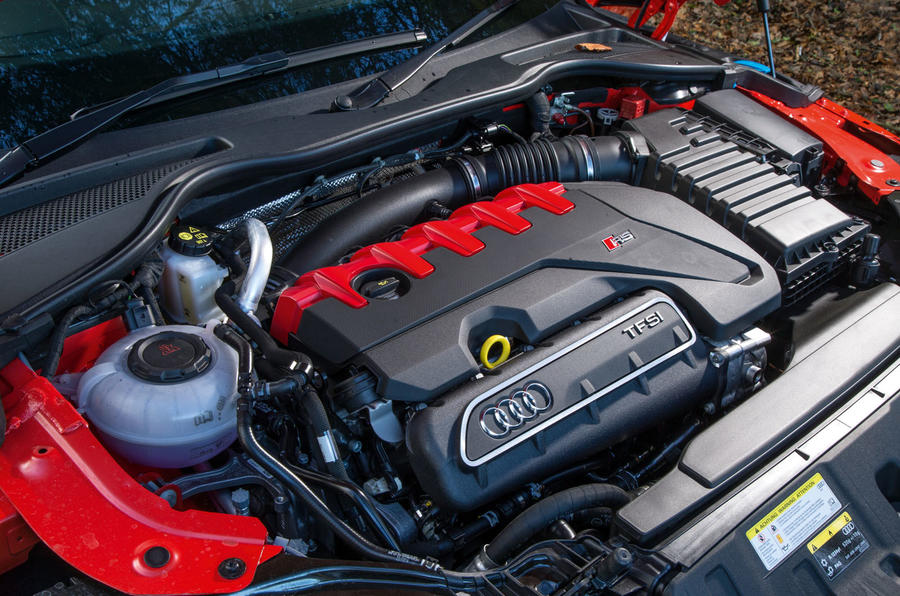 2.5-litre TFSI Audi TT RS Coupé engine