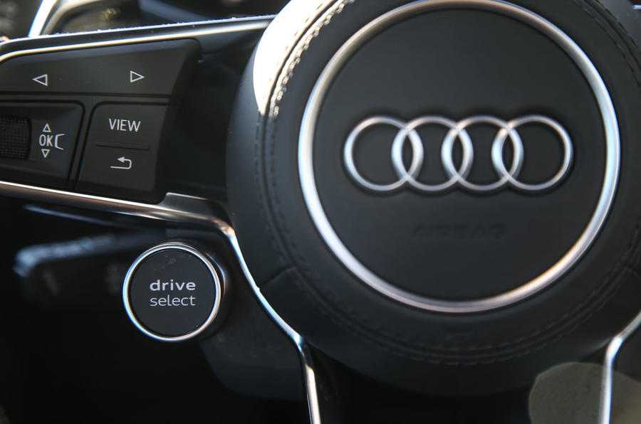 Audi TT RS Coupé driving modes