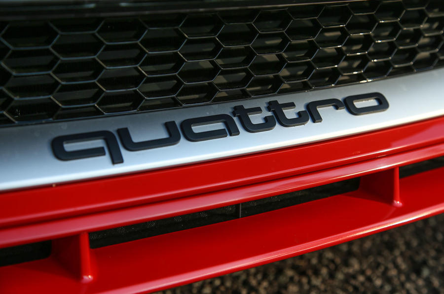 Audi TT RS Coupé quattro badging