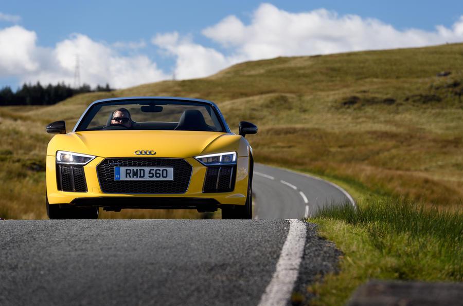 Audi R8 Spyder front end