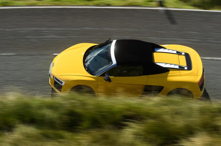 Audi R8 Spyder top profile