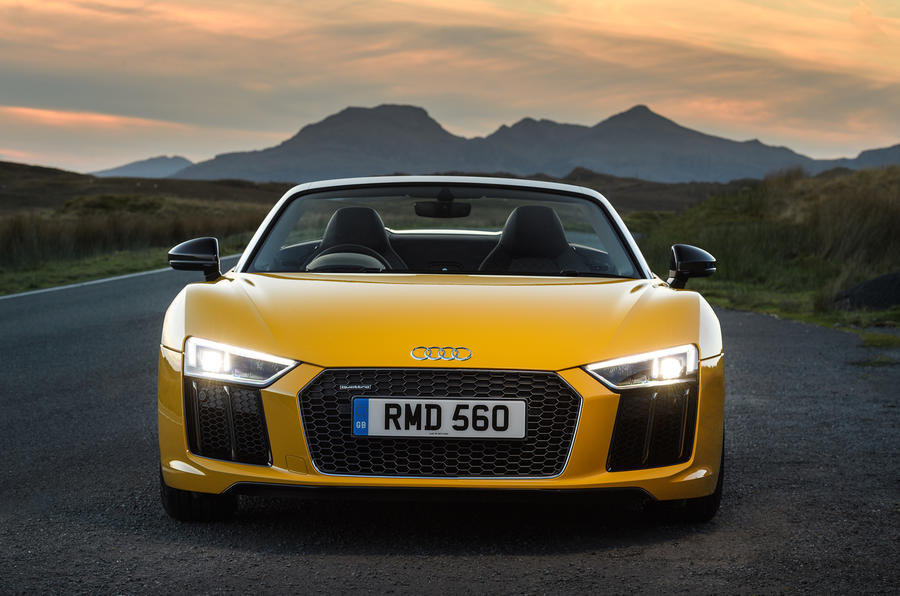Audi R8 Spyder LED headlights