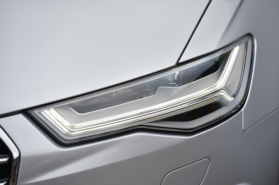 Audi A6 Avant LED headlights