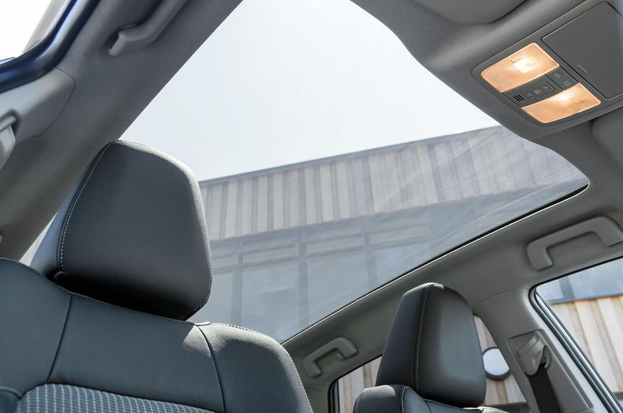 Toyota Auris panoramic sunroof