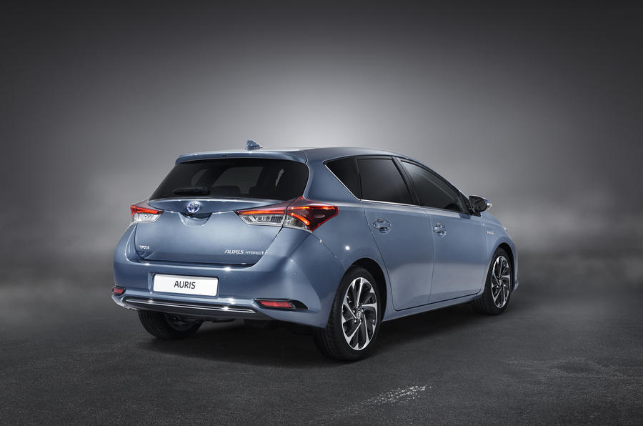 2015 toyota auris revealed updated autocar. Black Bedroom Furniture Sets. Home Design Ideas