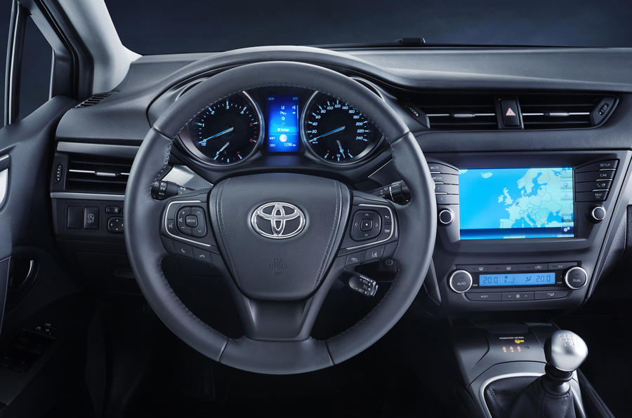 2015 Toyota Avensis facelift - new engines, specs and ...