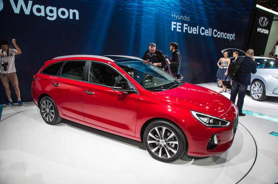 2017 hyundai i30 wagon revealed in geneva autocar. Black Bedroom Furniture Sets. Home Design Ideas