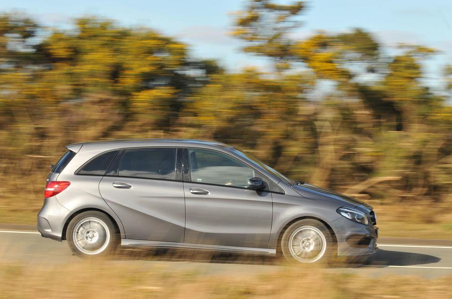 £28,420 Mercedes-Benz B 220 CDI