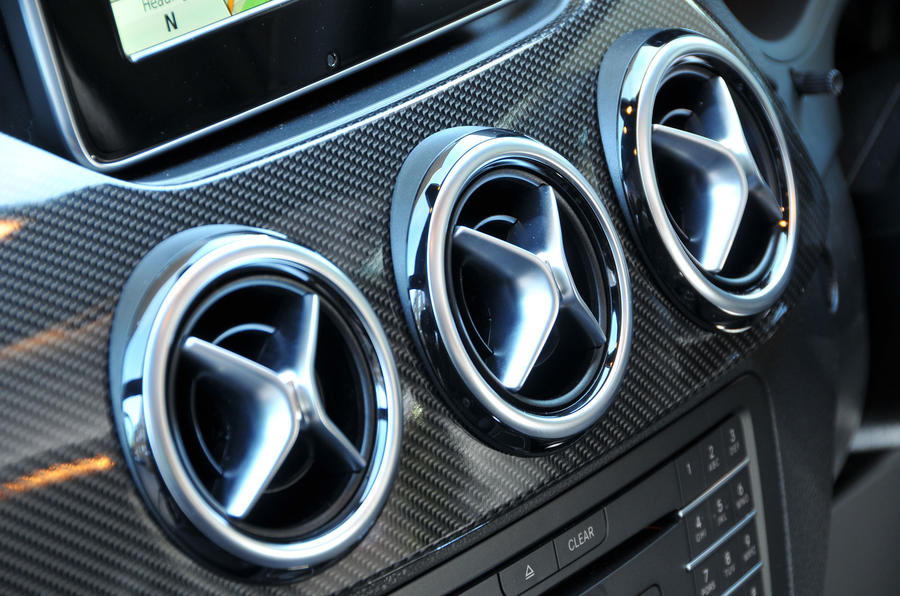 Mercedes-Benz B-Class air vents