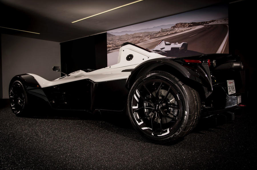 Bac Mono Is First To Use 39 Revolutionary 39 Graphene Material