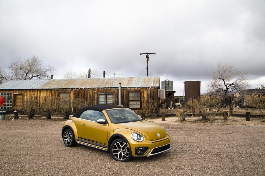 Volkswagen Beetle Dune roof up