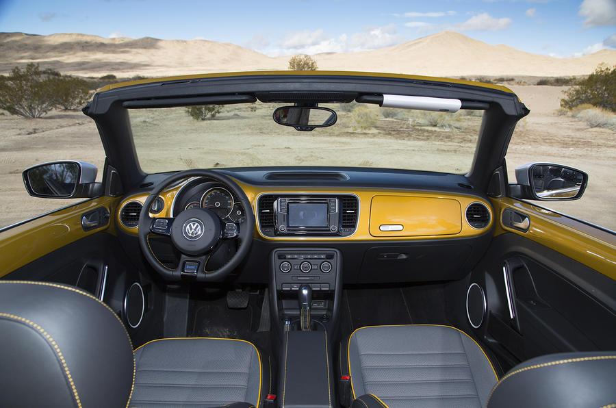 Volkswagen Beetle Dune dashboard