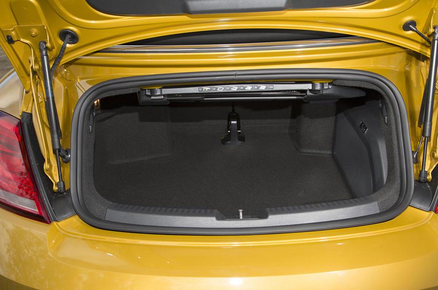 Volkswagen Beetle Dune boot space