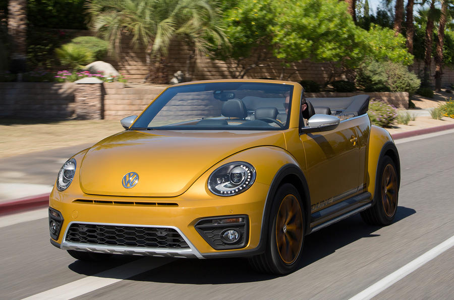 Volkswagen Beetle Dune roof down