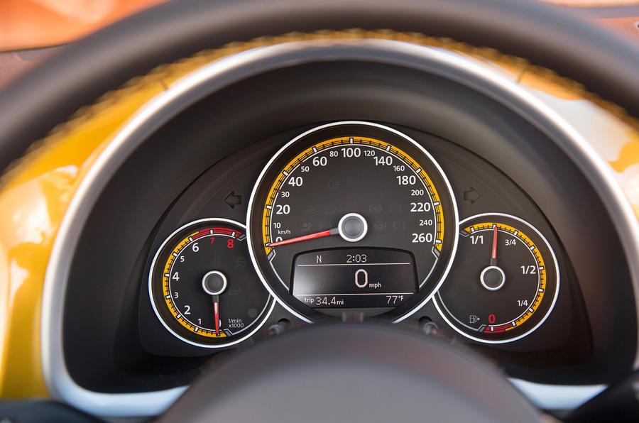 Volkswagen Beetle Dune instrument cluster