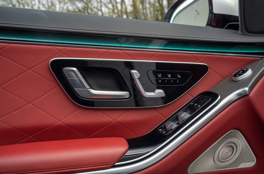 Mercedes S-Class S500 2020 (LHD) : premier examen de conduite au Royaume-Uni - cartes de portes