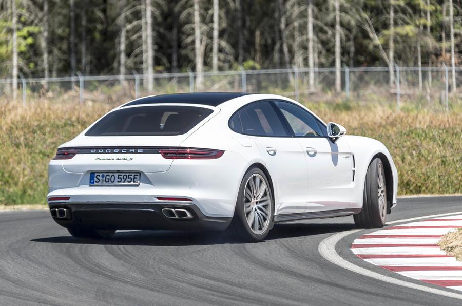 Porsche panamera turbo se hybrid