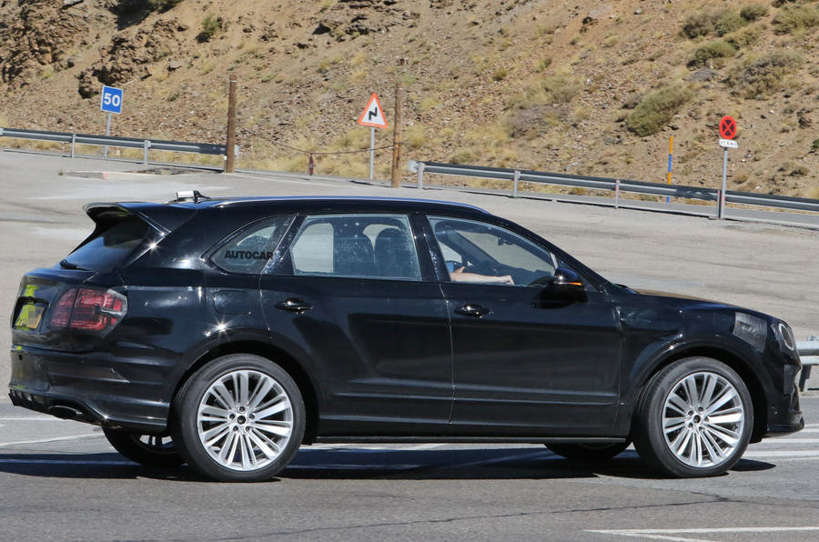 Bentley Bentayga facelift prototype spy shot - side