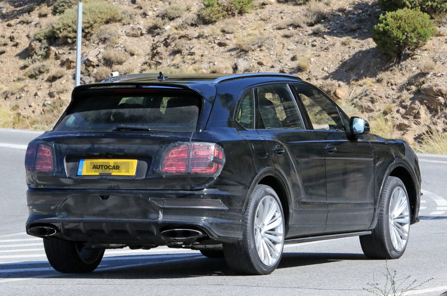 Bentley Bentayga facelift prototype spy shot - rear