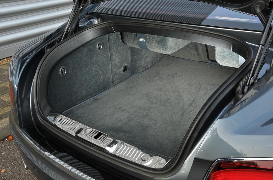 Bentley Flying Spur V8S boot space