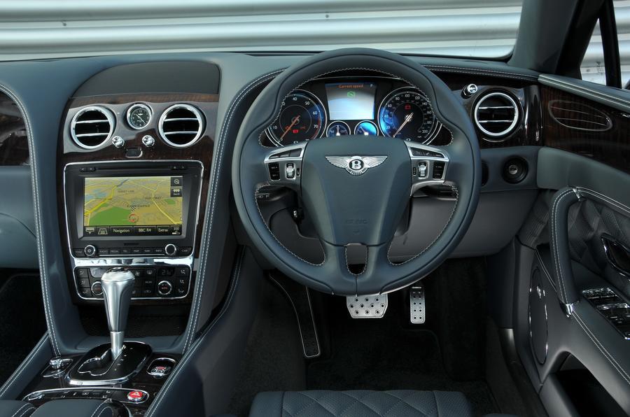 Bentley Flying Spur V8S dashboard